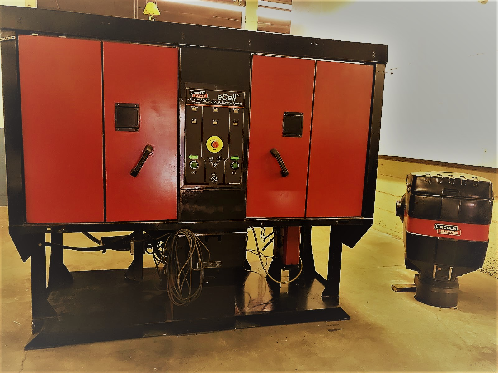 Lincoln Electric  Robotic eCell | Dual Position Welding Workcell