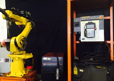 Fanuc Arcmate 100i Rj3 Lincoln 455 Package