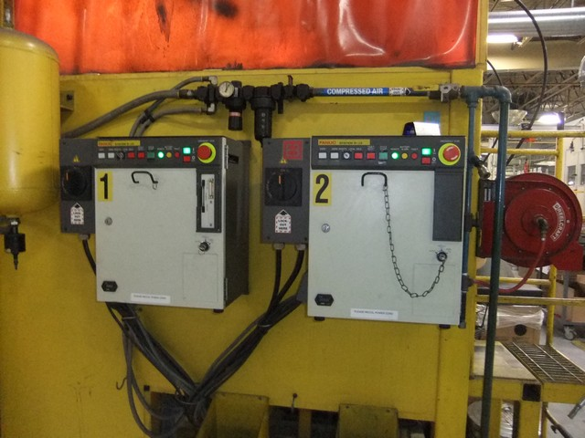 Dual robotic Welding Cell